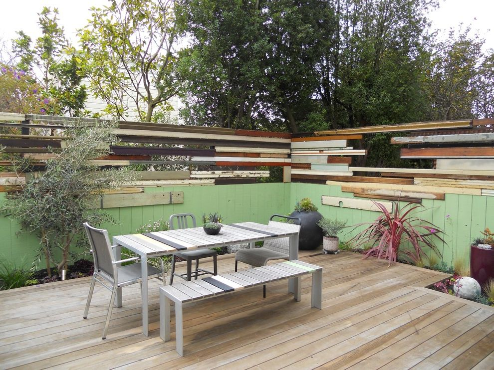 Contemporary Patio How to Paint a Fence for Contemporary Patio Outdoor Photos Gardeners and Lawn Care Services