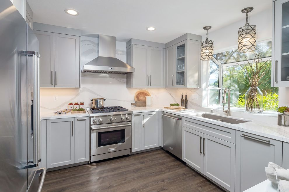 From Seasoned to Sophisticated Best Way to Clean Stainless Steel for Transitional Kitchen Kitchen Photos Tile and Countertop Contractors