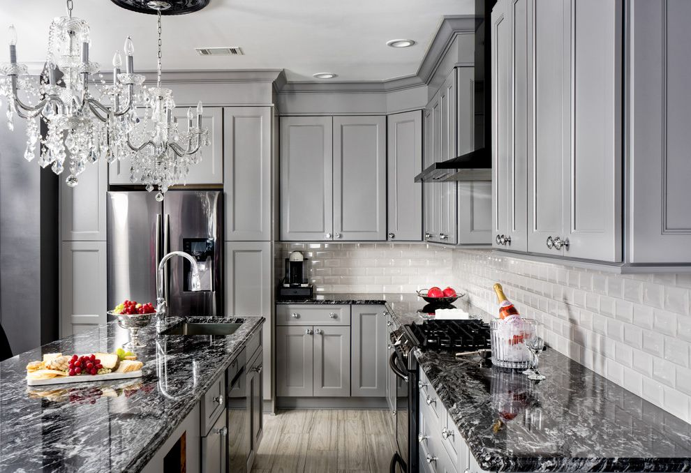Kitchen Project Photos Which is Better Granite or Quartz for Transitional Kitchen Kitchen Photos Gray Kitchens