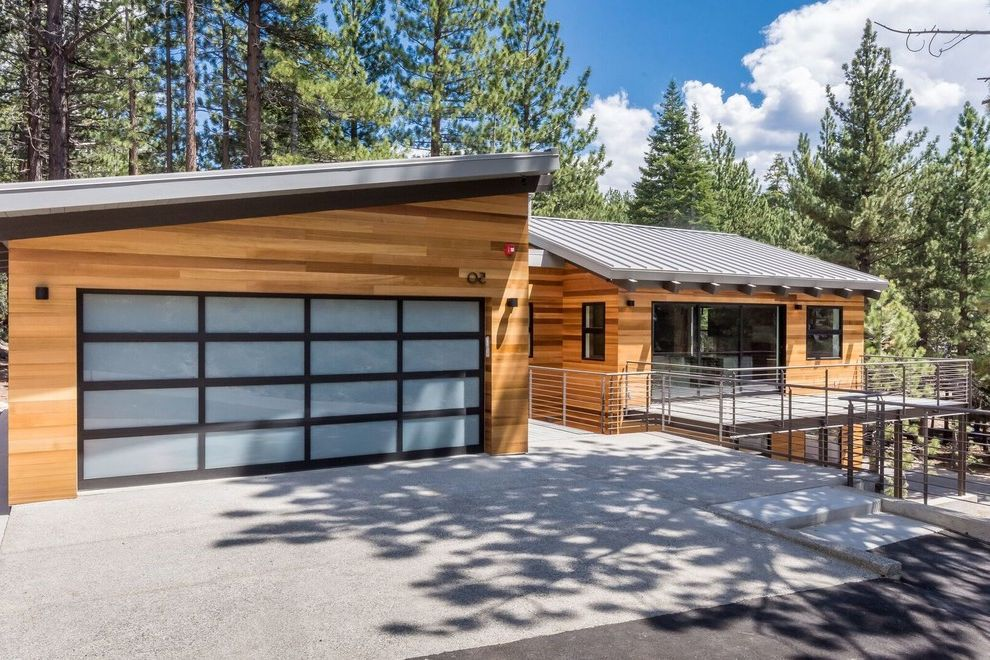 Mammoth Modern How to Stain a Deck for Modern Exterior Exterior Photos Gardeners and Lawn Care Services