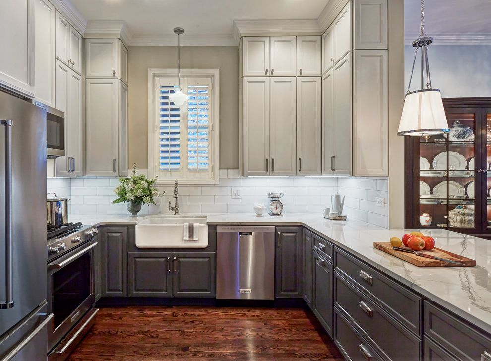 Modern Lincoln Park Farmhouse Kitchen Chicago, Il How to Repaint Cabinets for Farmhouse Kitchen Kitchen Photos White Cabinets with Black Countertops