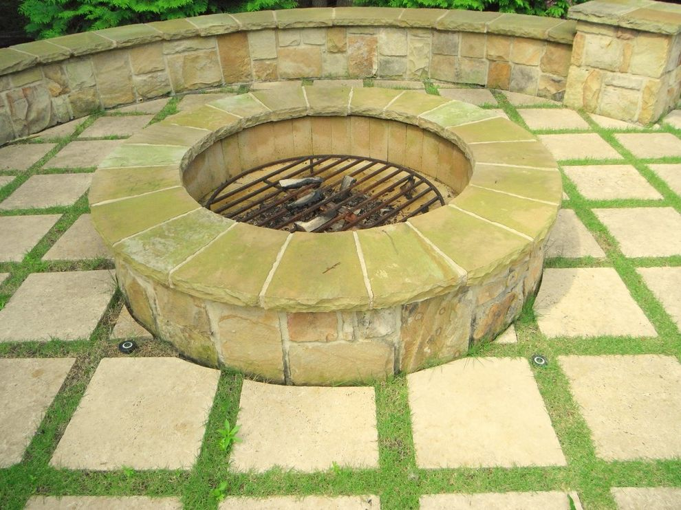 Outdoor Fireplaces and Fire Pits Cinder Block Fire Pit for Traditional Patio Outdoor Photos Traditional Patios