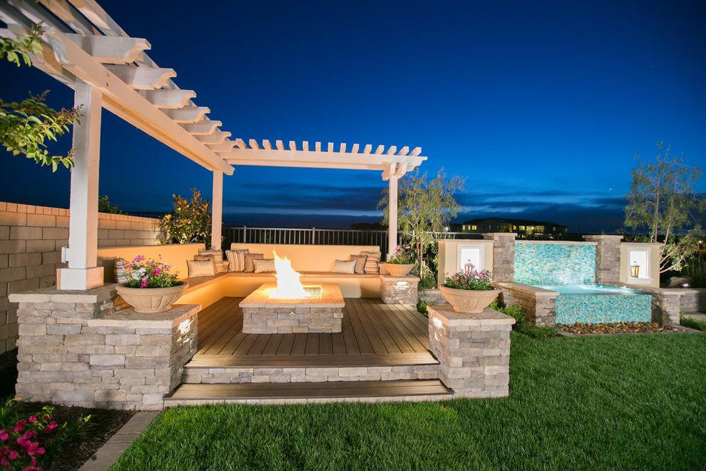 Water Fountains & Water Features How to Increase the Value of Your Home for Landscape Outdoor Photos Landscapers